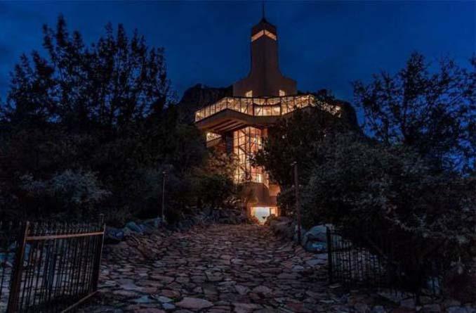 Αυτή η κατοικία ονομάζεται «Φωλιά του Γερακιού» και θα καταλάβετε το γιατί... (6)