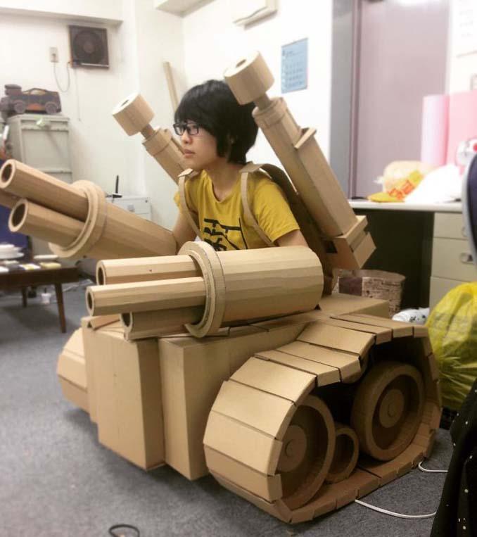 Γιαπωνέζα καλλιτέχνις μετατρέπει κουτιά από χαρτόνι σε απίθανα γλυπτά (5)