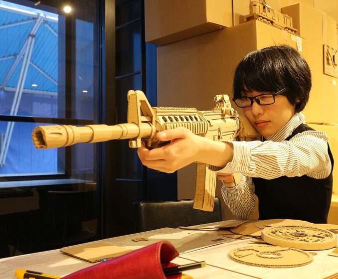 Γιαπωνέζα καλλιτέχνις μετατρέπει κουτιά από χαρτόνι σε απίθανα γλυπτά (8)