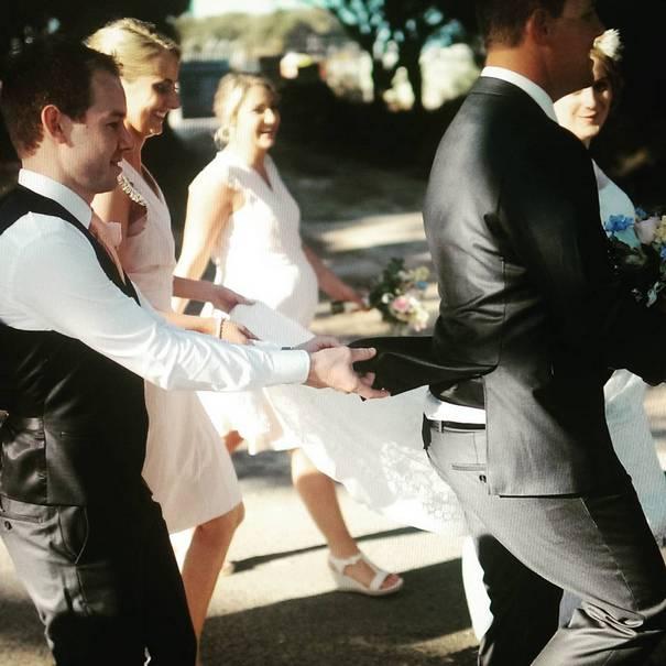 Νεόνυμφοι που αποφάσισαν να πρωτοτυπήσουν με τις γαμήλιες φωτογραφίες τους (2)