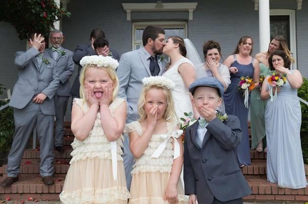 Νεόνυμφοι που αποφάσισαν να πρωτοτυπήσουν με τις γαμήλιες φωτογραφίες τους (15)