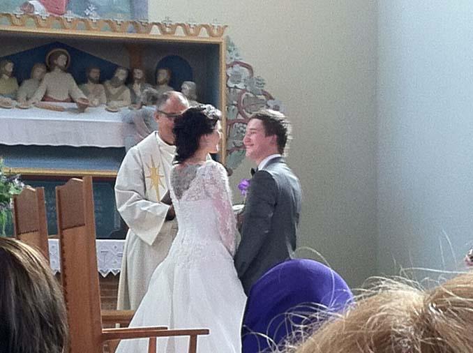 Να τι συμβαίνει όταν δεν παίρνεις επαγγελματία φωτογράφο για το γάμο σου (1)
