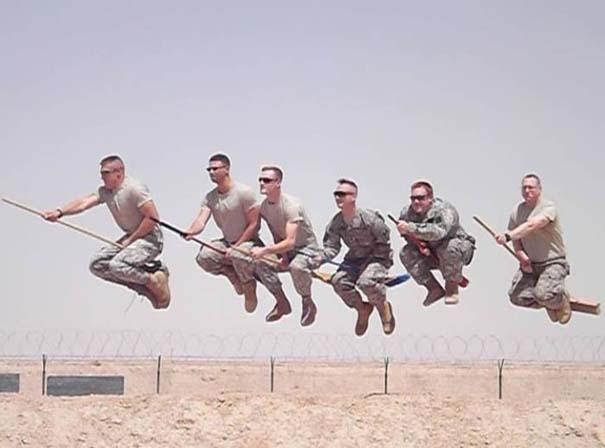 Όταν οι στρατιώτες κάνουν χαβαλέ (2)