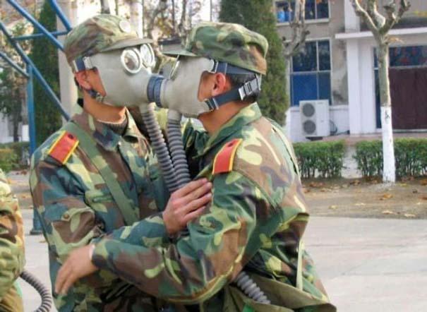 Όταν οι στρατιώτες κάνουν χαβαλέ (5)