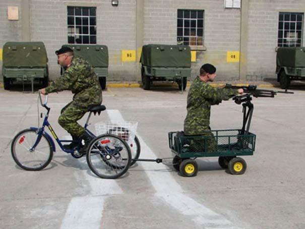 Όταν οι στρατιώτες κάνουν χαβαλέ (11)