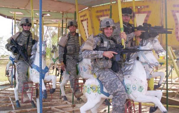 Όταν οι στρατιώτες κάνουν χαβαλέ (16)