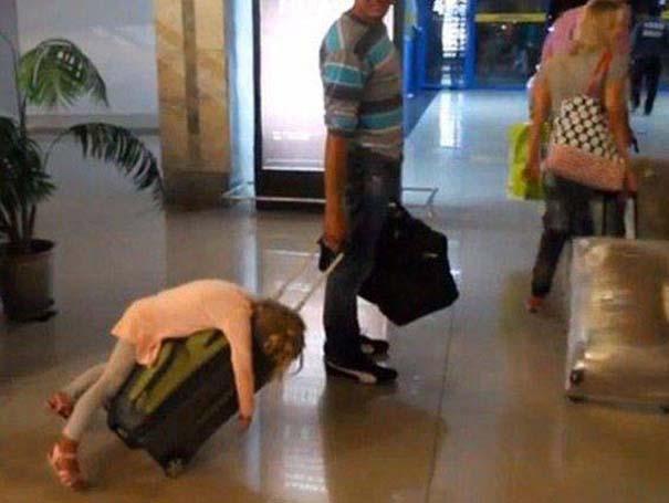 Περίεργα και αστεία σκηνικά στο αεροδρόμιο (2)