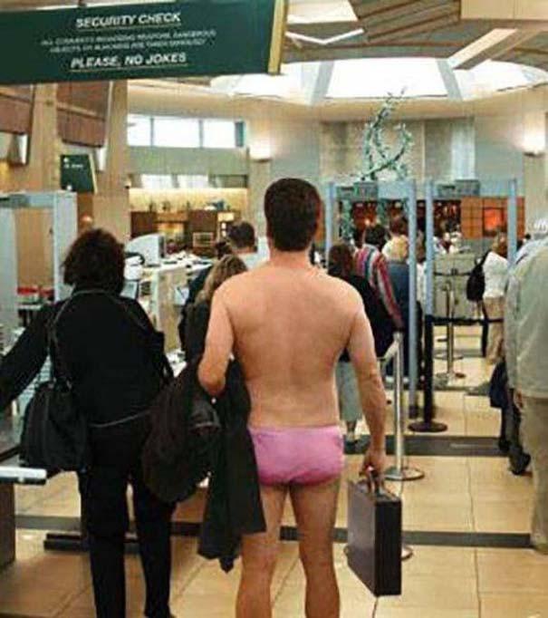 Περίεργα και αστεία σκηνικά στο αεροδρόμιο (4)