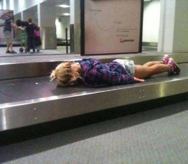 Περίεργα και αστεία σκηνικά στο αεροδρόμιο (7)