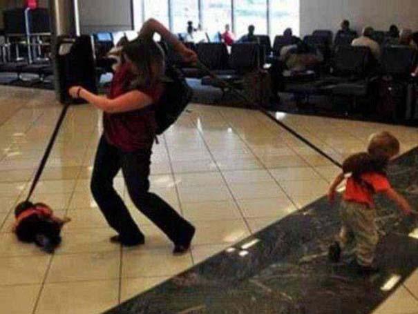 Περίεργα και αστεία σκηνικά στο αεροδρόμιο (19)
