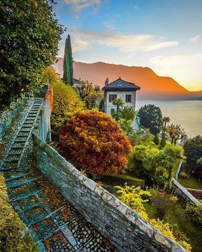 Υπέροχη μέρα στη λίμνη Κόμο της Ιταλίας   Φωτογραφία της ημέρας