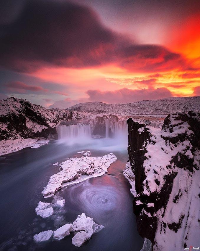 Όλη η μαγεία της Ισλανδίας σε μία εικόνα | Φωτογραφία της ημέρας