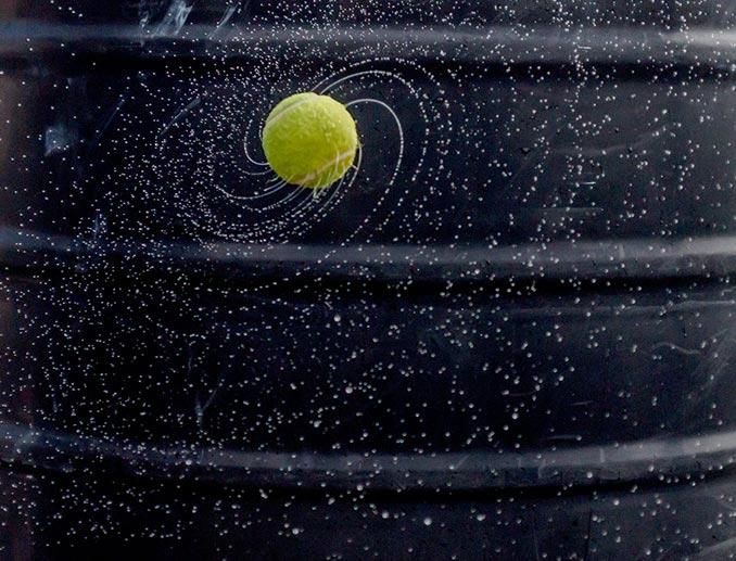 Όταν ένα μπαλάκι του τένις θυμίζει ολόκληρο τον Γαλαξία