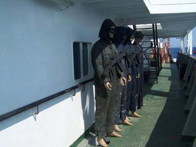 Όταν δεν θες να ξοδέψεις χρήματα για την προστασία του πλοίου από τους πειρατές (2)