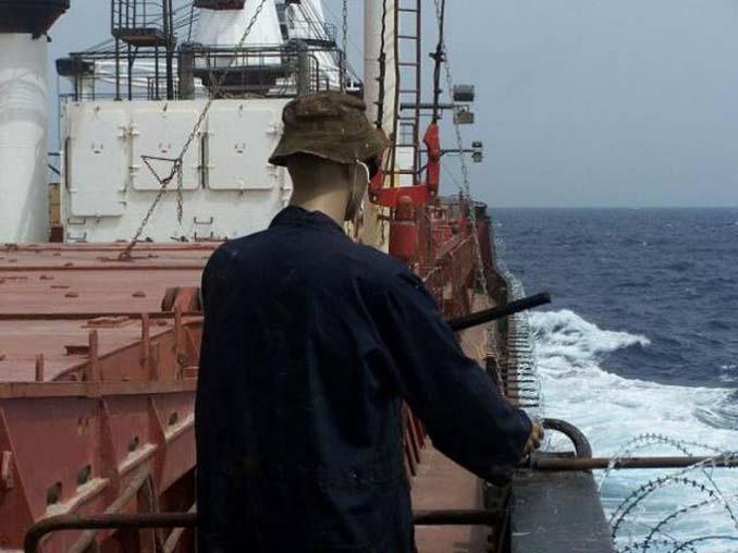 Όταν δεν θες να ξοδέψεις χρήματα για την προστασία του πλοίου από τους πειρατές (5)