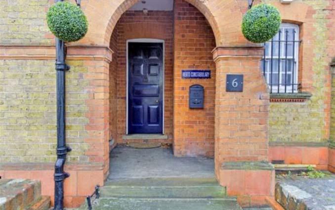 Αυτό το σπίτι ήταν κάποτε αστυνομικό τμήμα (2)