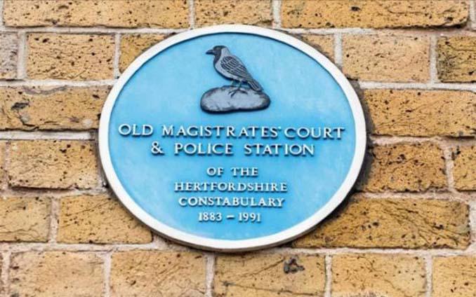 Αυτό το σπίτι ήταν κάποτε αστυνομικό τμήμα (5)