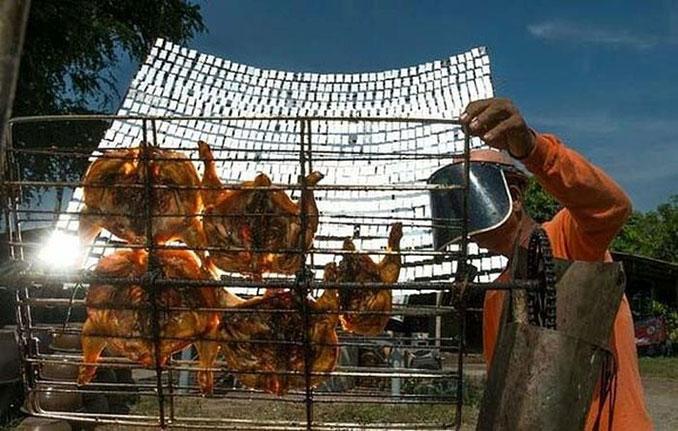 Αυτός ο άνδρας από την Ταϊλάνδη ψήνει κοτόπουλα με έναν ιδιαίτερο τρόπο (2)
