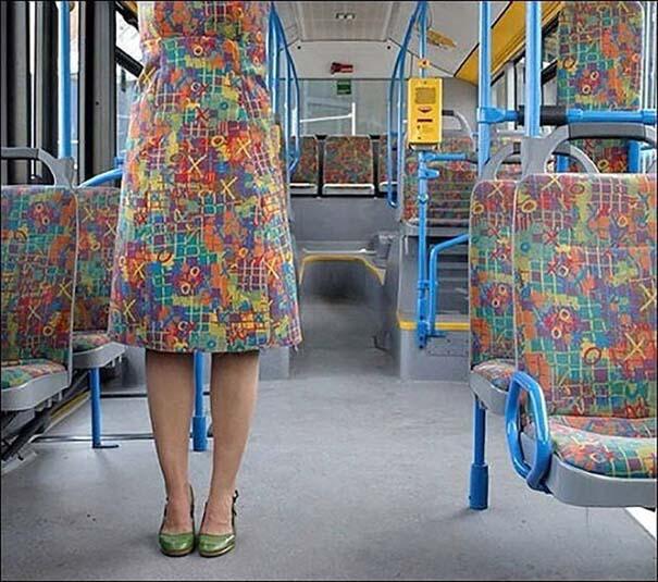 Η άβολη στιγμή που τα ρούχα σου ταιριάζουν απόλυτα με τον χώρο (4)
