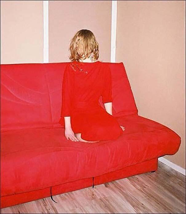 Η άβολη στιγμή που τα ρούχα σου ταιριάζουν απόλυτα με τον χώρο (6)