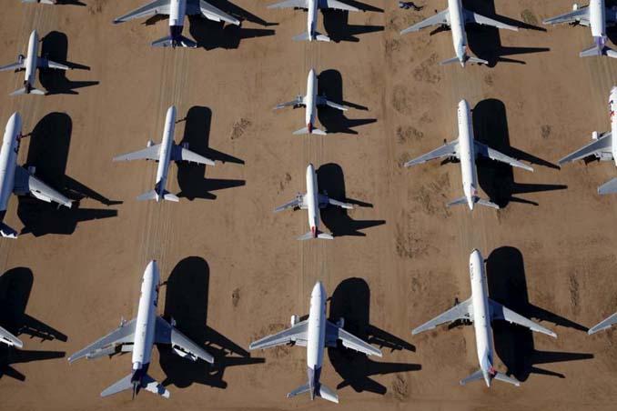 Ένα γιγαντιαίο νεκροταφείο αεροσκαφών στην έρημο της Καλιφόρνια (1)