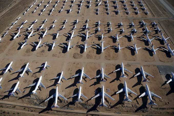 Ένα γιγαντιαίο νεκροταφείο αεροσκαφών στην έρημο της Καλιφόρνια (4)