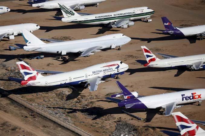 Ένα γιγαντιαίο νεκροταφείο αεροσκαφών στην έρημο της Καλιφόρνια (7)