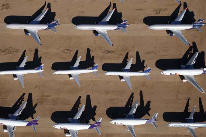 Ένα γιγαντιαίο νεκροταφείο αεροσκαφών στην έρημο της Καλιφόρνια (10)