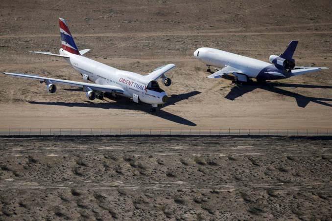 Ένα γιγαντιαίο νεκροταφείο αεροσκαφών στην έρημο της Καλιφόρνια (11)