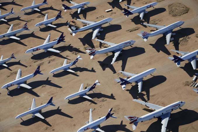 Ένα γιγαντιαίο νεκροταφείο αεροσκαφών στην έρημο της Καλιφόρνια (15)