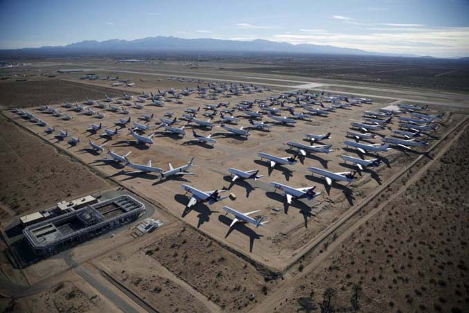 Ένα γιγαντιαίο νεκροταφείο αεροσκαφών στην έρημο της Καλιφόρνια (17)