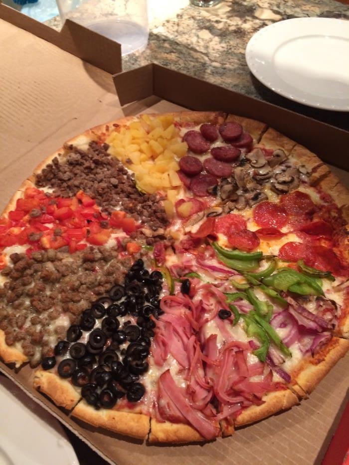 Μια πίτσα που καλύπτει όλα τα γούστα   Φωτογραφία της ημέρας