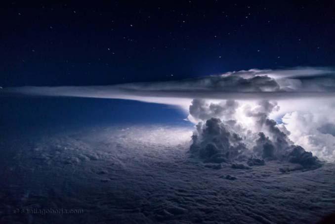 Πιλότος απαθανατίζει τέλειες καταιγίδες από το πιλοτήριο του αεροπλάνου (2)