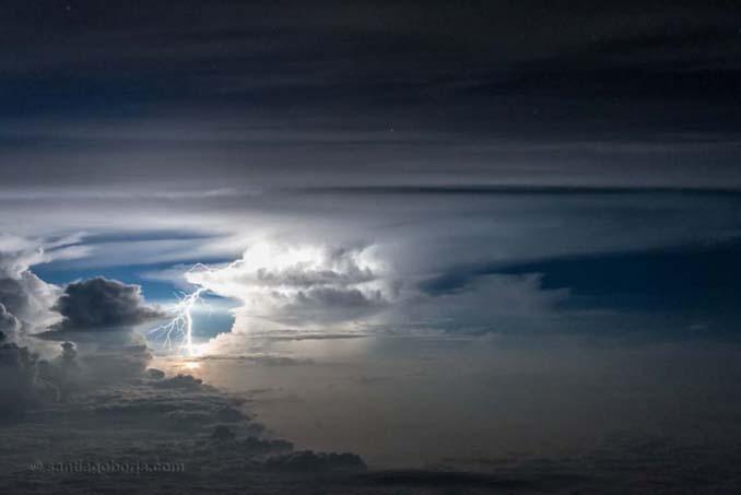 Πιλότος απαθανατίζει τέλειες καταιγίδες από το πιλοτήριο του αεροπλάνου (6)