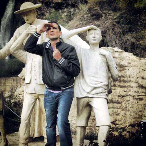 Ποζάροντας με αγάλματα #25 (5)