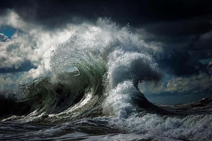 Ο Ray Collins απαθανατίζει τα κύματα όπως δεν τα έχετε ξαναδεί (2)
