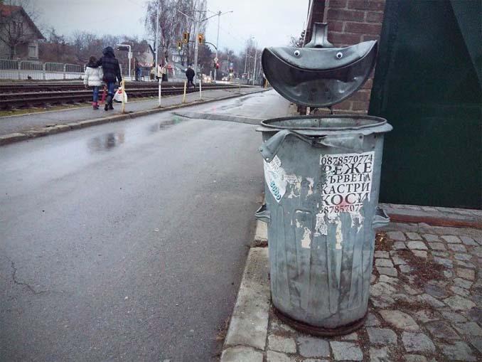 Κάποιος στη Βουλγαρία τοποθετεί ματάκια σε σπασμένα αντικείμενα και το αποτέλεσμα είναι άκρως διασκεδαστικό! (7)