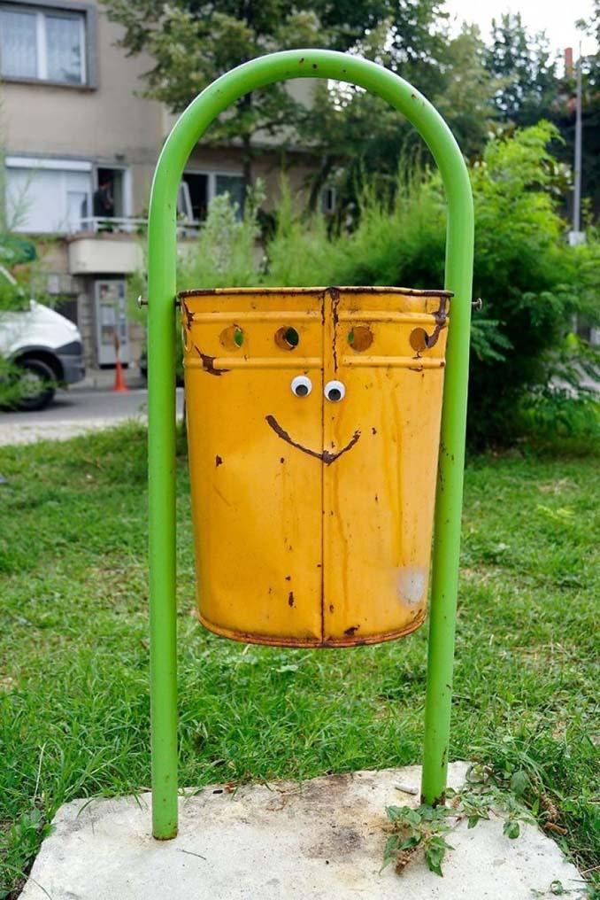 Κάποιος στη Βουλγαρία τοποθετεί ματάκια σε σπασμένα αντικείμενα και το αποτέλεσμα είναι άκρως διασκεδαστικό! (25)
