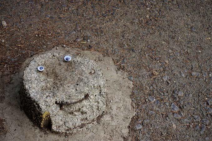 Κάποιος στη Βουλγαρία τοποθετεί ματάκια σε σπασμένα αντικείμενα και το αποτέλεσμα είναι άκρως διασκεδαστικό! (27)