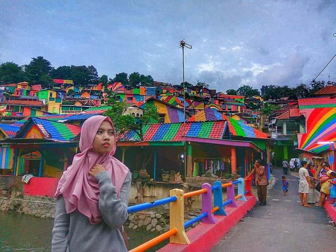 Χωριό ουράνιο τόξο στην Ινδονησία (3)