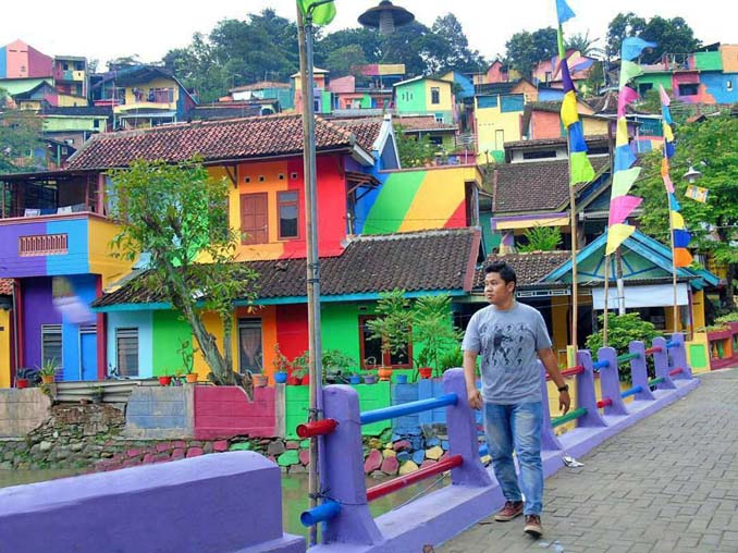 Χωριό ουράνιο τόξο στην Ινδονησία (9)