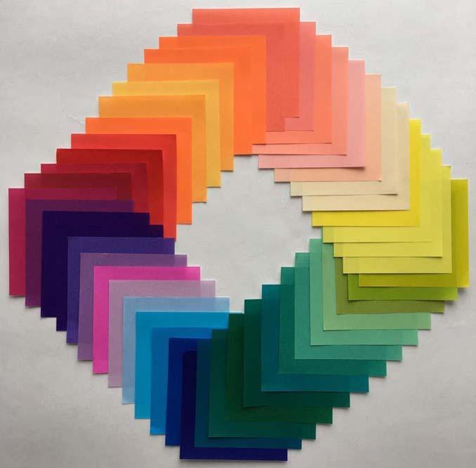 Ο Adam Hillman τακτοποιεί αντικείμενα και γλυκά με βάση το χρώμα (8)