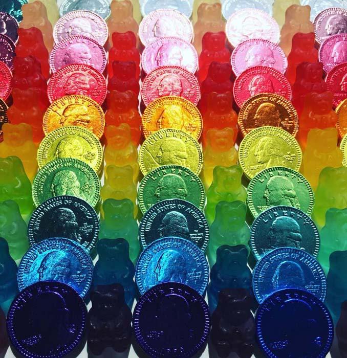 Ο Adam Hillman τακτοποιεί αντικείμενα και γλυκά με βάση το χρώμα (12)