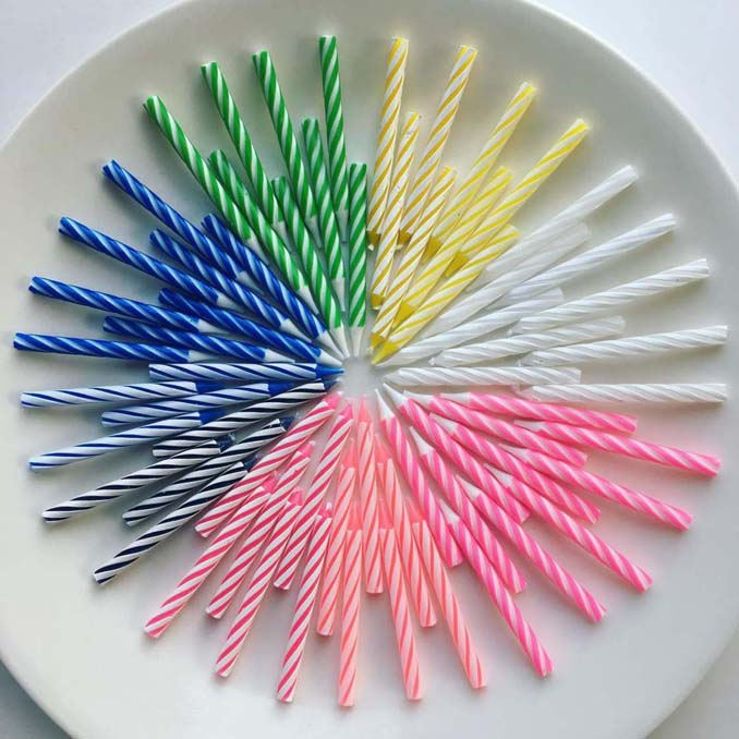 Ο Adam Hillman τακτοποιεί αντικείμενα και γλυκά με βάση το χρώμα (13)