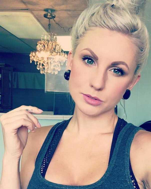 Οι ανατριχιαστικές μεταμορφώσεις της makeup artist Corie Lynn (1)