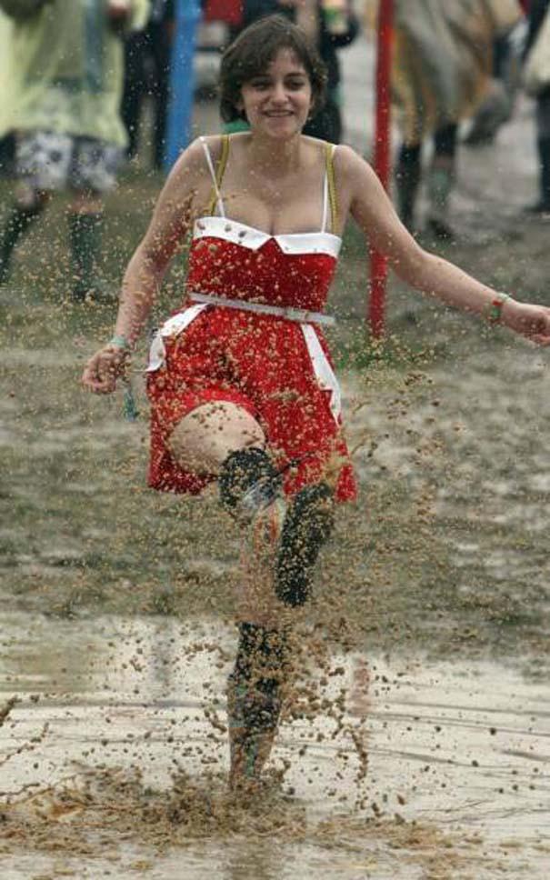 Glastonbury: Φεστιβάλ στις λάσπες (16)