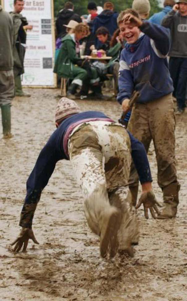 Glastonbury: Φεστιβάλ στις λάσπες (17)