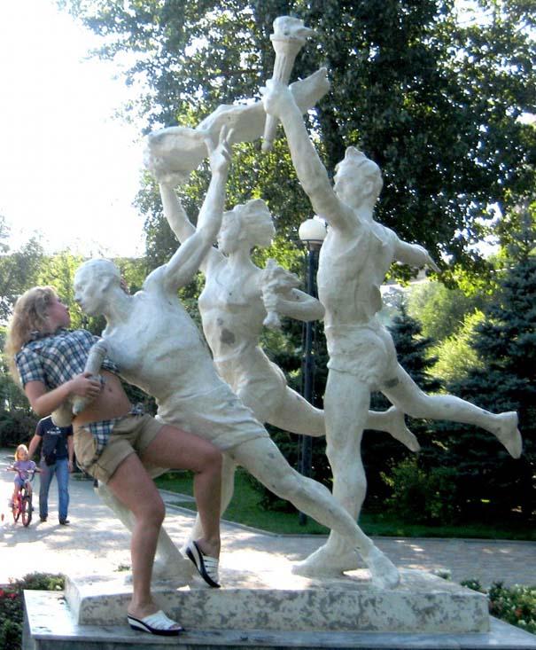 Ποζάροντας με αγάλματα #26 (5)
