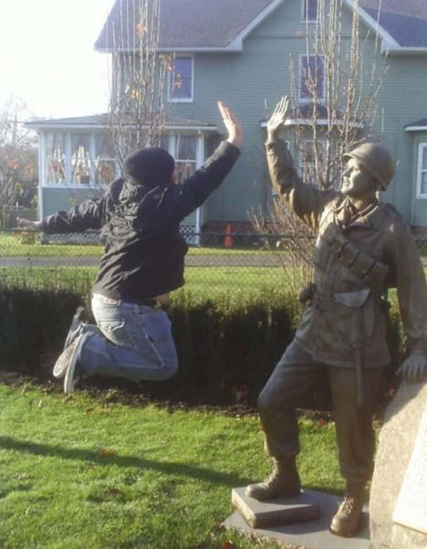 Ποζάροντας με αγάλματα #28 (4)