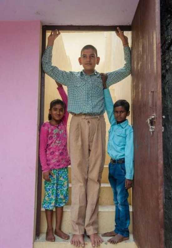 Το ψηλότερο αγόρι στον κόσμο (6)